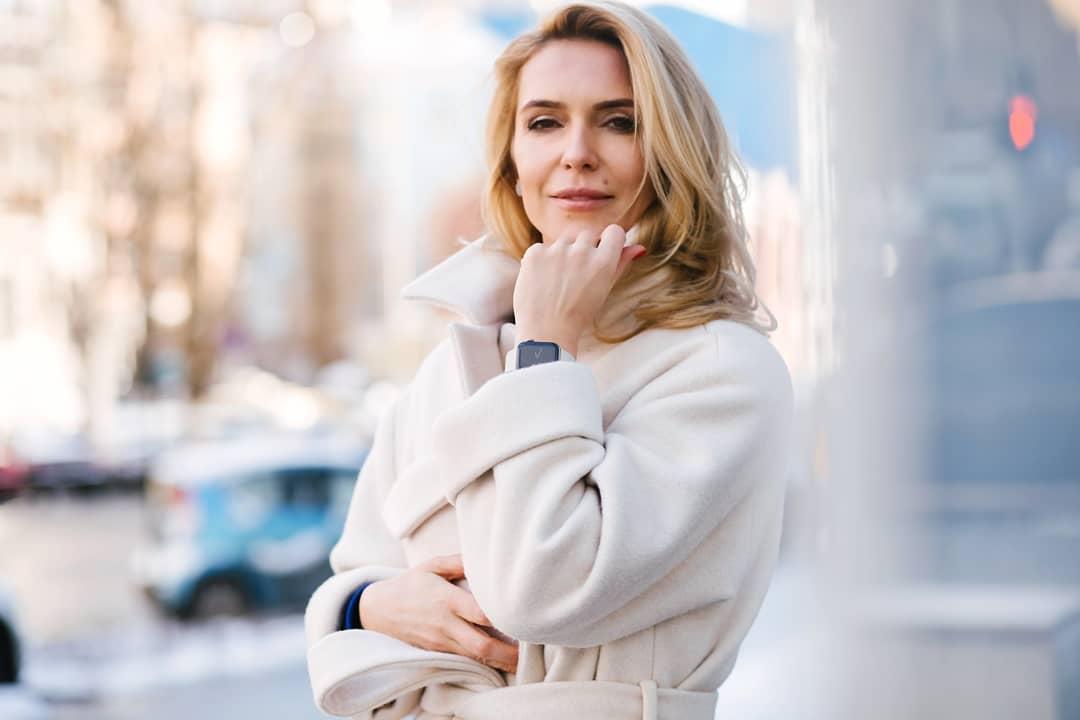 Марина Боржемская похвасталась фигурой в ажурном соблазнительном белье