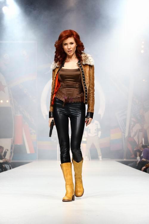 Анна Чапман представит свою первую коллекцию одежды на выставке в Турции