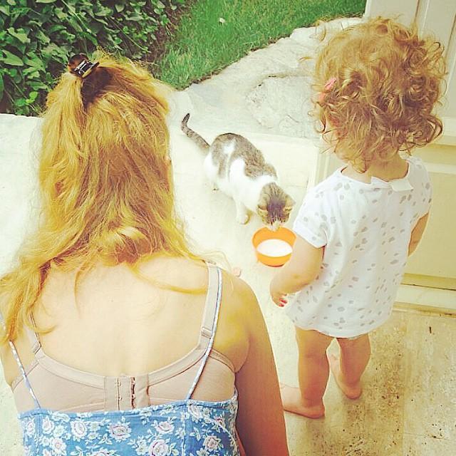 Мерьем Узерли показала повзрослевшую дочь Лару