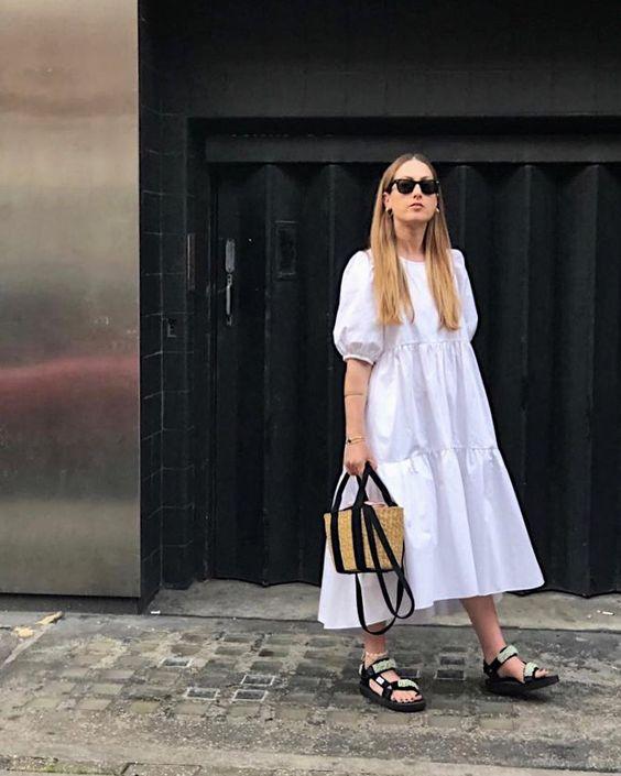 5 модных способов носить массивные сандалии этим летом