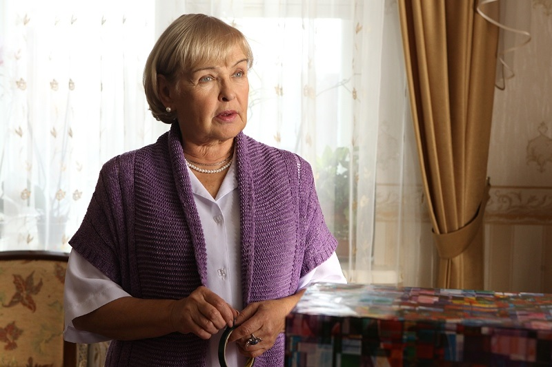 Ада Роговцева в фильме Цветок папоротника (2014)