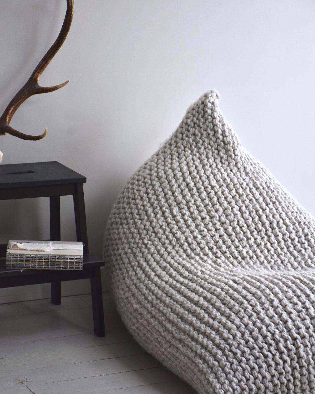 Вязанное кресло-мешок