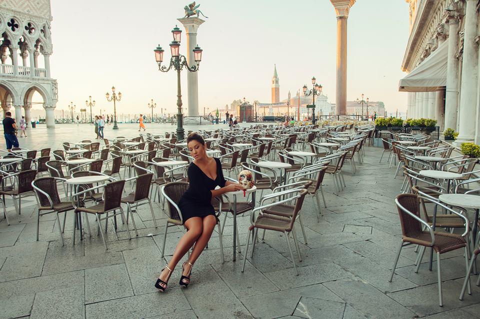 Фотосессия проходила в 5 утра на площади Сан-Марко в Венеции