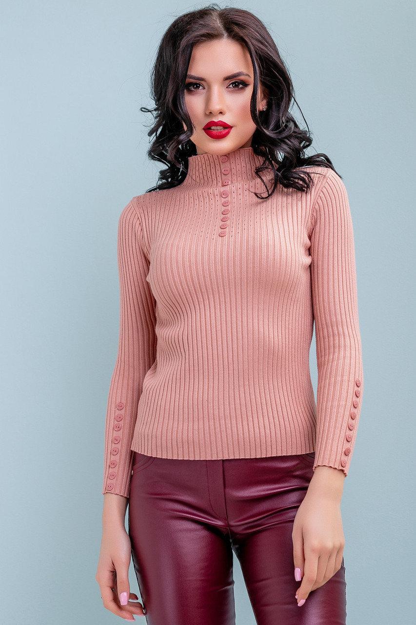 Неактуальные модели свитеров зимой 2019/20: короткий и облегающий