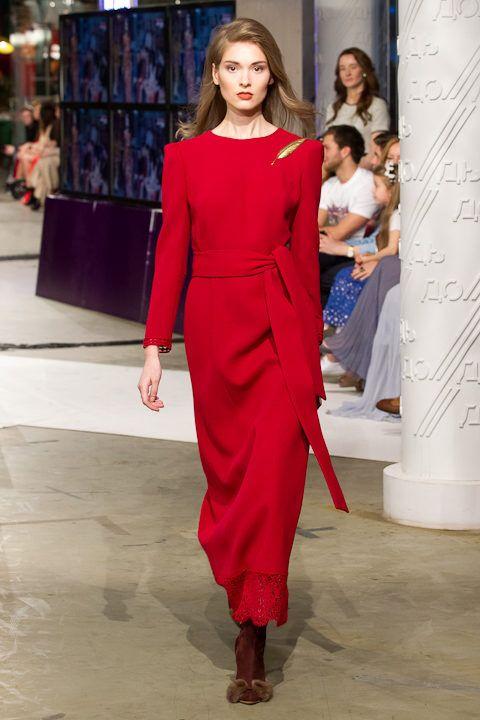 Красное платье для осени длины макси