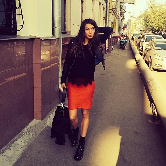 Актриса Агния Дитковските смело миксует элементы разных стилей