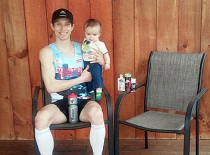 Отец принял участие в марафоне, чтобы спасти жизни сына