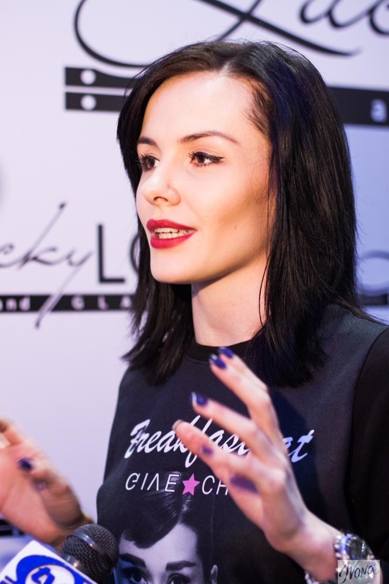 Певица Эрика не следит за модой и поручает эту миссию своим стилистам
