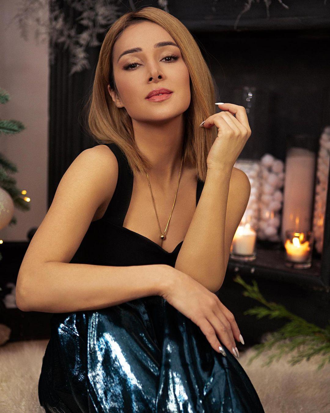 Злата Огневич показала свою сексуальность в обтягивающем платье