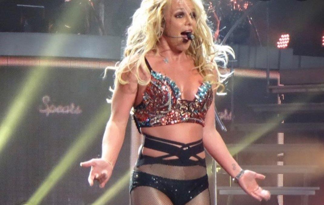 Бритни Спирс опубликовала пикантное видео - и нарвалась на критику