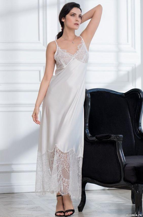 ТОП-7 образов одежды для сна - удлиненное платье для сна c кружевом