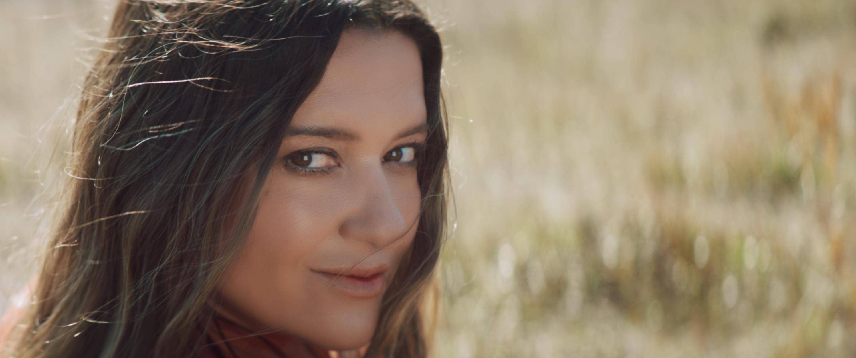 Любовь по-украински: Наталья Могилевская презентовала клип из Карпат