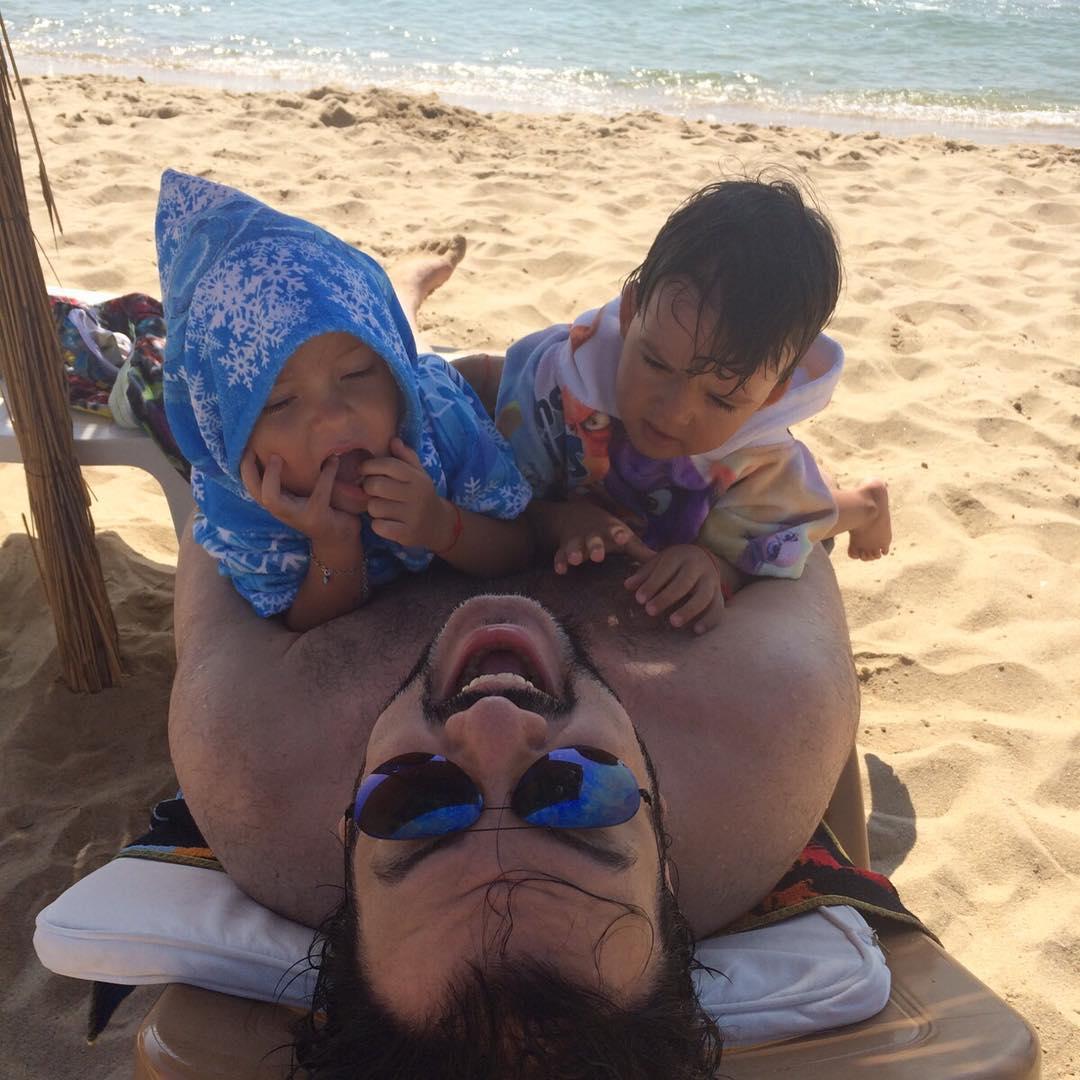 Филипп Киркоров проводит отпуск на побережье Черного моря с детьми
