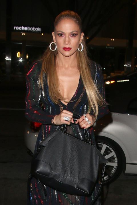 Актриса и певица Дженнифер Лопес продемонстрировала, в чем ходит на свидания
