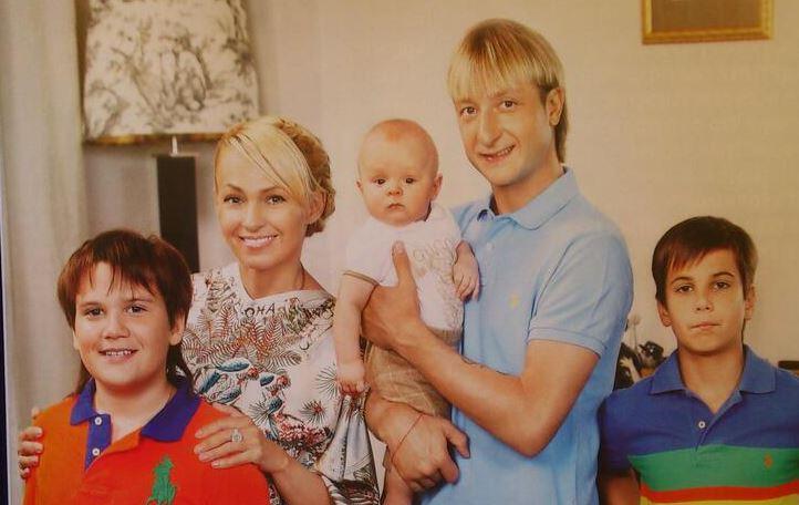 яна рудковская познакомилась с будущим мужем