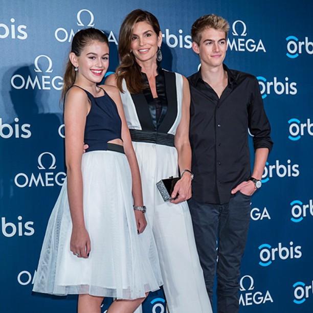 Кроуфорд с дочкой и сыном