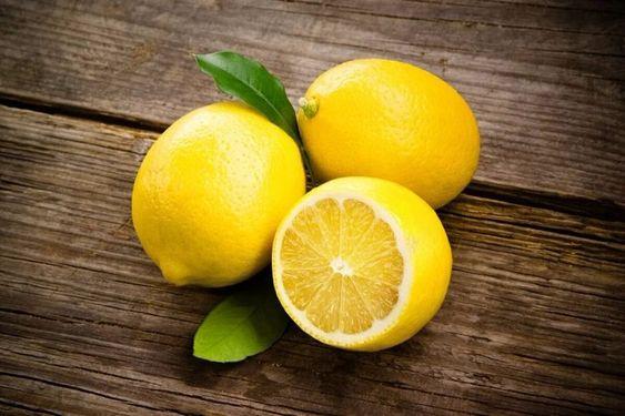 Как бороться с веснушками - лимон
