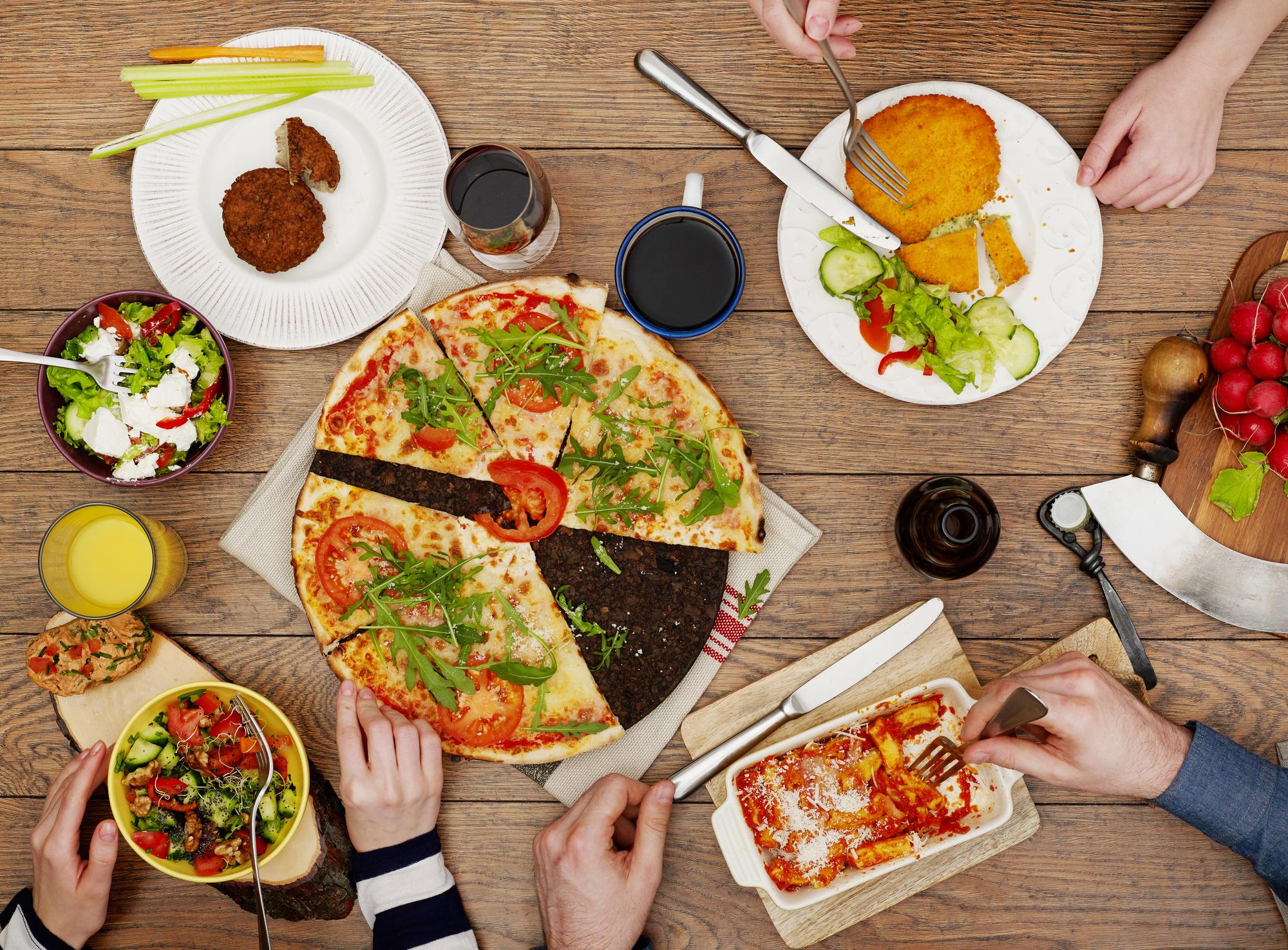 На быструю руку: макаронная пицца