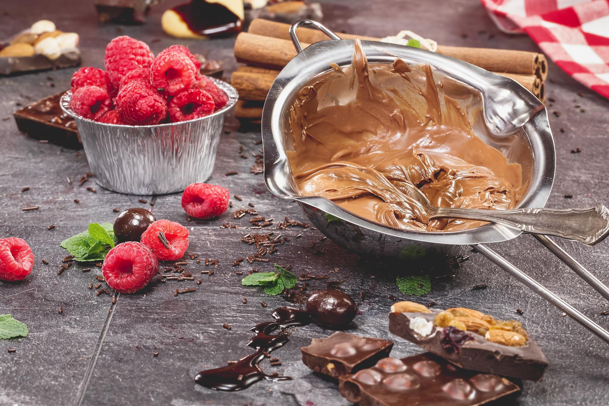 Безлактозный торт с малиной: рецепт полезного десерта