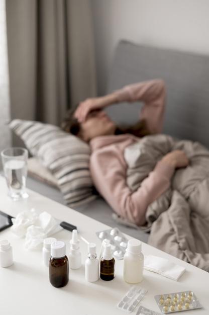 Чем отличается боль в горле при простуде и COVID-19