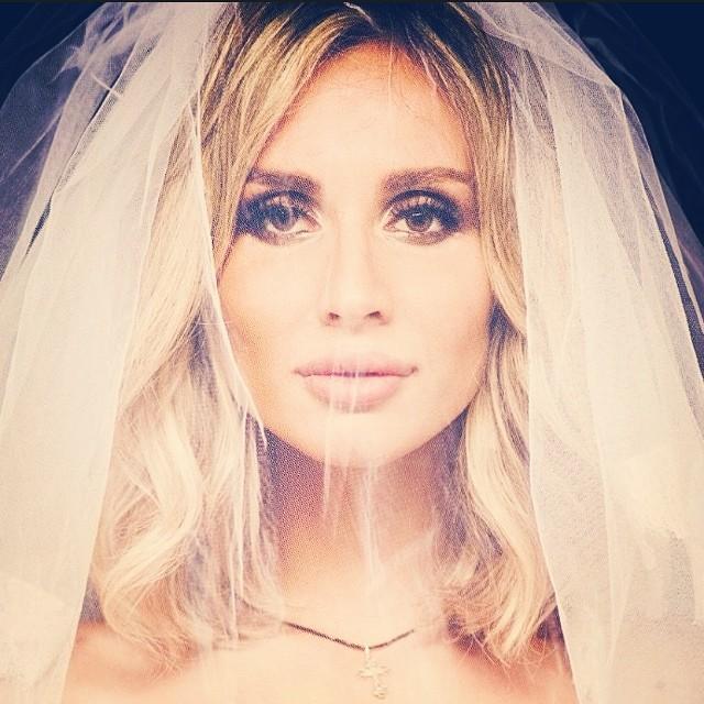 Светлана Лобода похвасталась свадебным фото