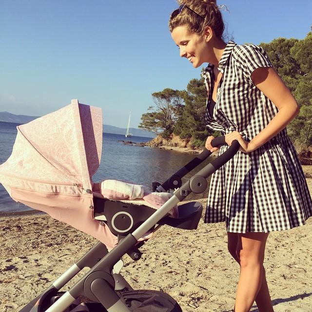 Инна Цимбалюк показала трогательное фото со своей новорожденной дочкой