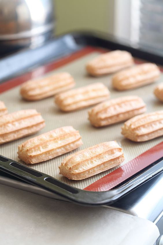 Заварное тесто для эклеров на маргарине: классический рецепт