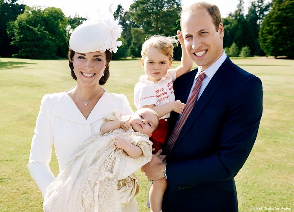 Кейт Миддлтон и принц Уильям с детьми: сыном Джорджем и принцессой Шарлоттой