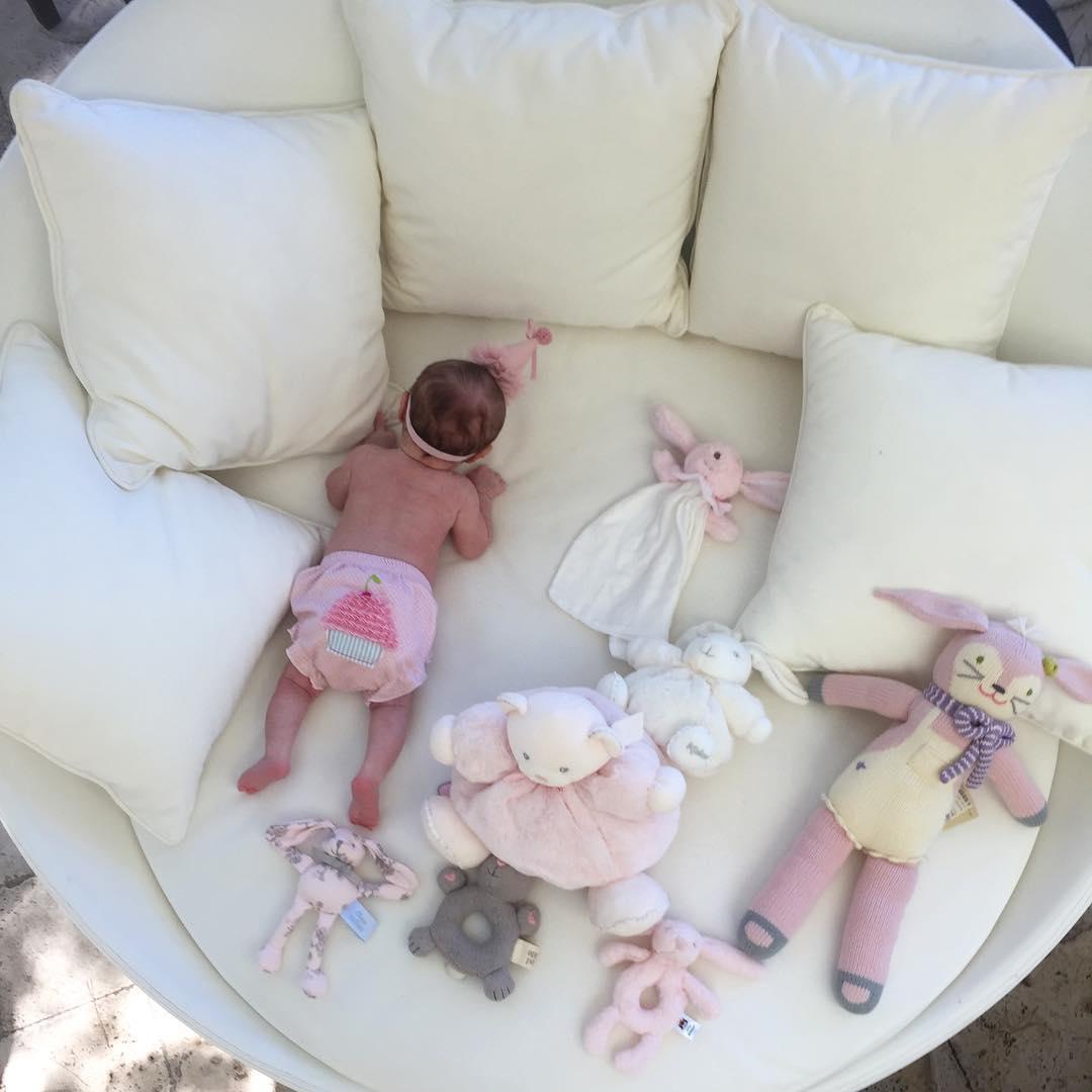 Кети после родов живет вместе с мужем и дочкой в Лос-Анджелесе, США