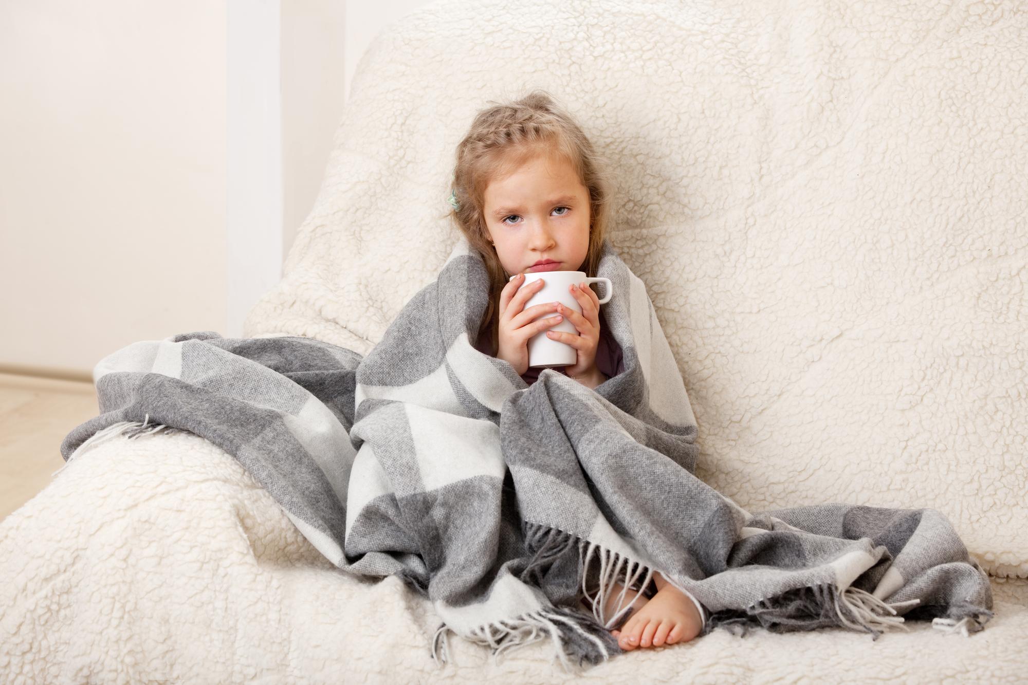 Коклюш у ребенка: что делать и как лечить