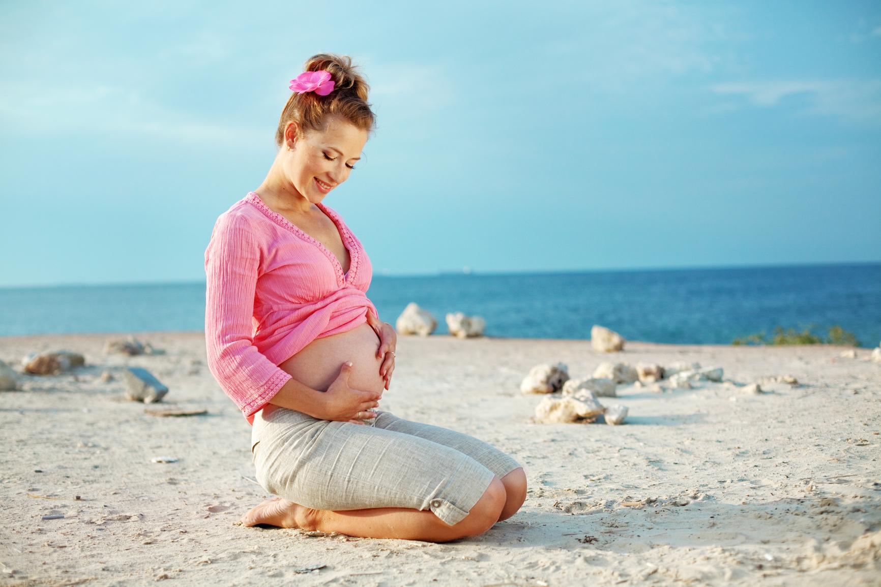 Фото с беременными на море