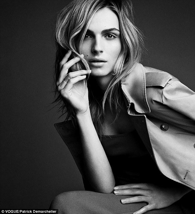 Андреа Пежич для Vogue: В Сети появился первый кадр с фотосессии