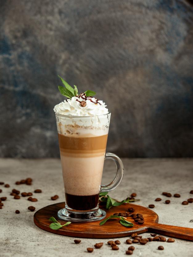 Когда пить кофе с молоком: во время еды или после