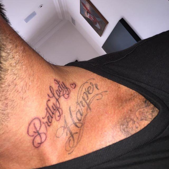 Дэвид Бекхэм продемонстрировал татуировку вчесть любимой дочери