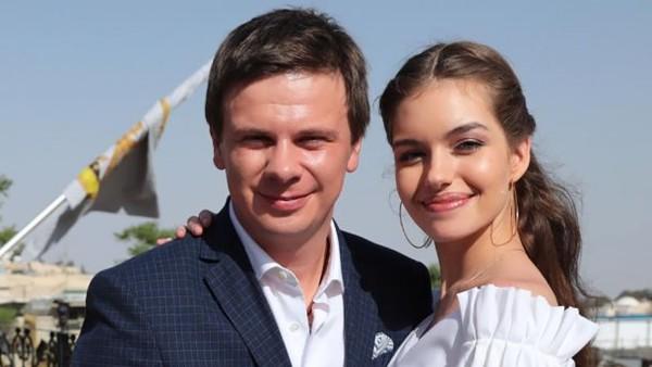 Дмитрий Комаров и Александра Кучеренко показали декор своего дома