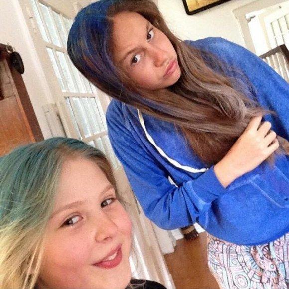 Дочь Кличко (справа) окрасила волосы с подругой
