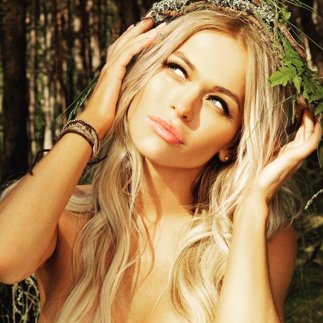 Анна Хилькевич предпочитает сниматься голышом. Фото и видео бесплатно