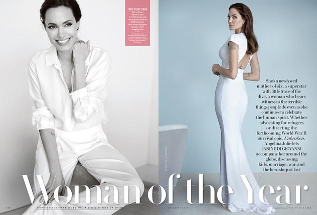Актриса примерила несколько образов в стиле total-white
