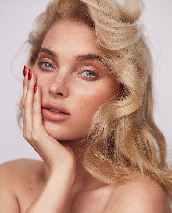ТОП-5 приемов в макияже, которые молодят