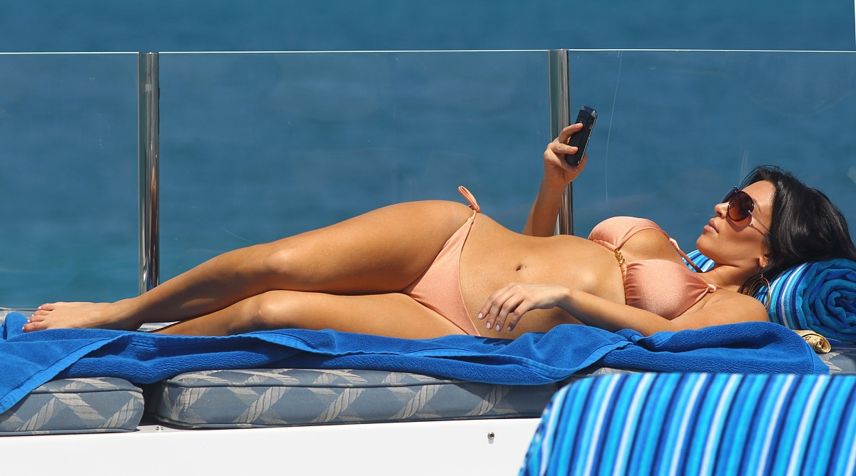 Sexy bikini pic