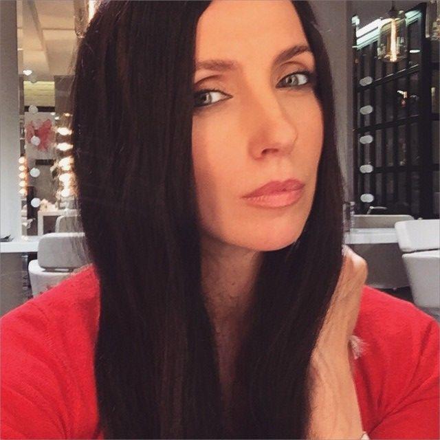 Телеведущая и супруга Федора Бондарчука, Светлана, полностью преобразилась с новым цветом волос