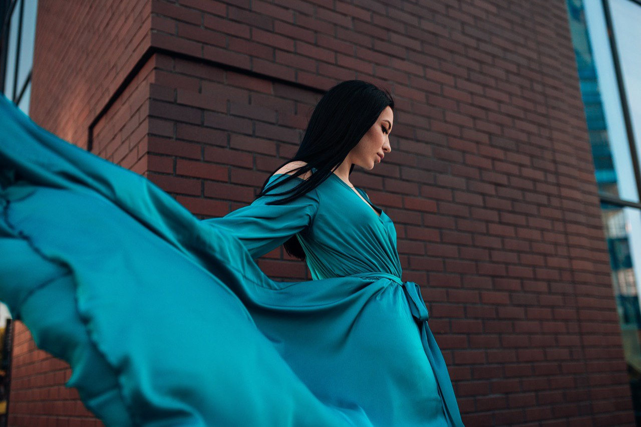 Молодая украинская певица Анастасия Рэй выпустила свой первый цифровой альбом