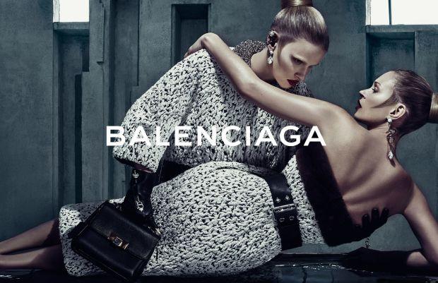 Кейт Мосс и Лара Стоун в рекламной кампании Balenciaga