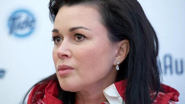 Муж Анастасии Заворотнюк тайком навестил ее в больнице - видео