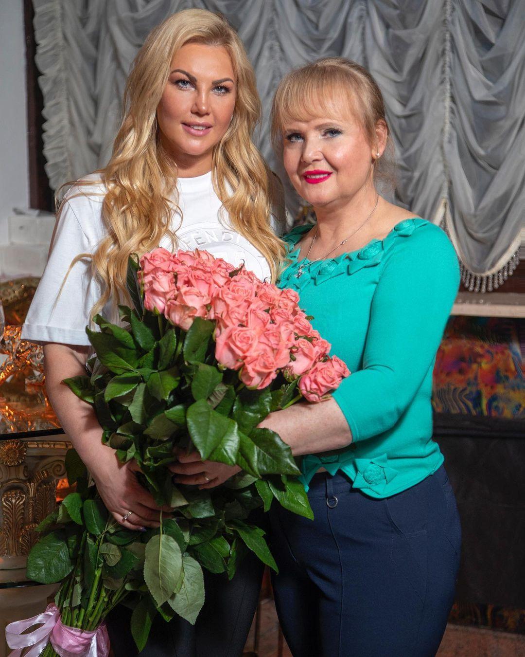 Камалия со своей мамой