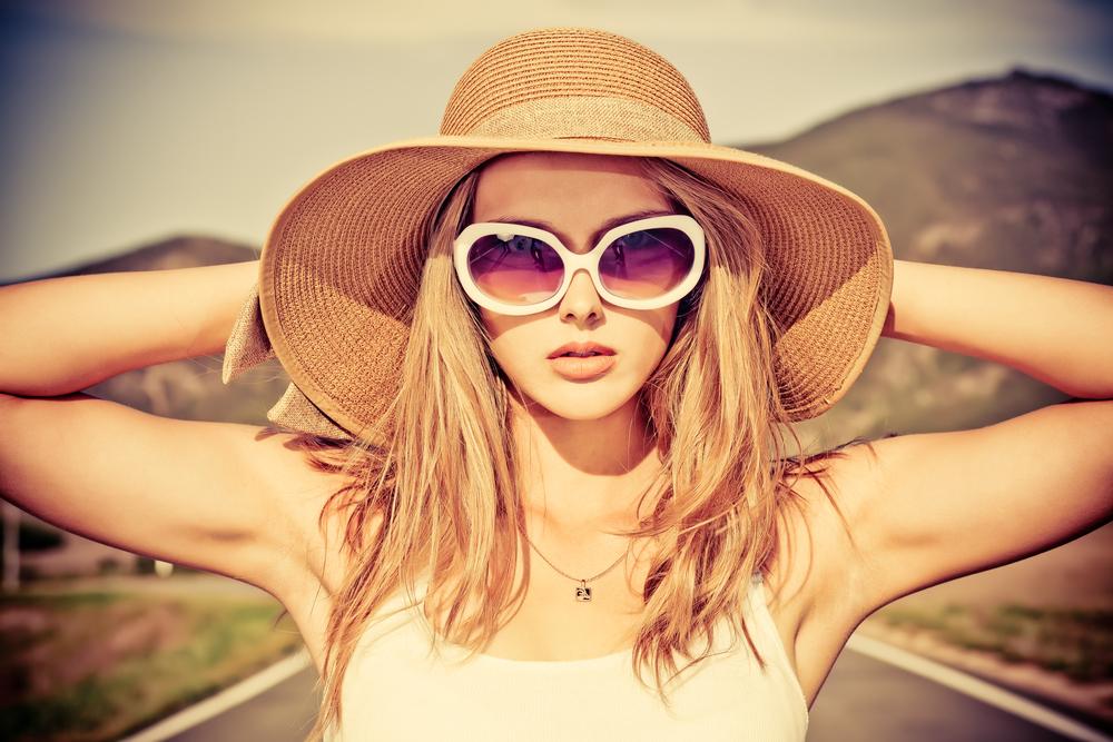 Солнечные лучи делают наши волосы блеклыми и сухими