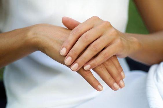 Сухая кожа рук: что с этим делать
