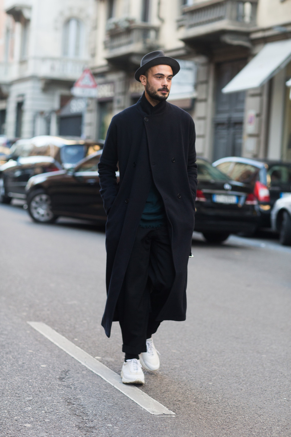 Стильные мужские образы на весну 2020 с кроссовками