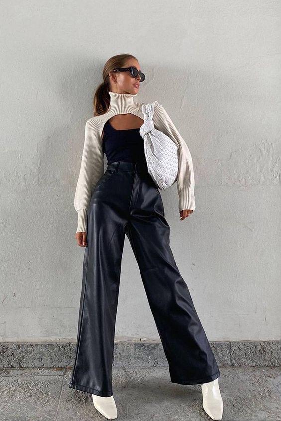 Смелый тренд сезона: как носить нижнее белье поверх одежды