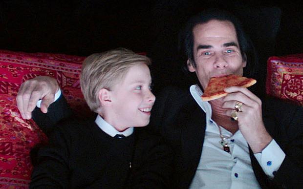 Ник Кейв с сыном Артуром